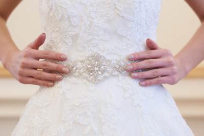 csillogó menyasszonyi öv